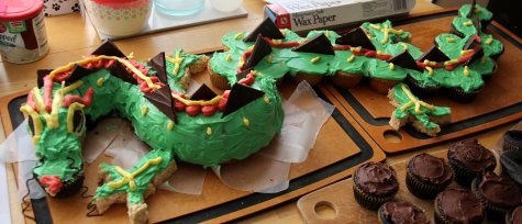 Dragon birthday cake, assembled