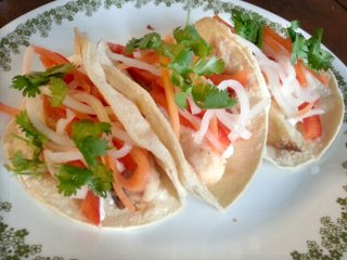summery fish tacos