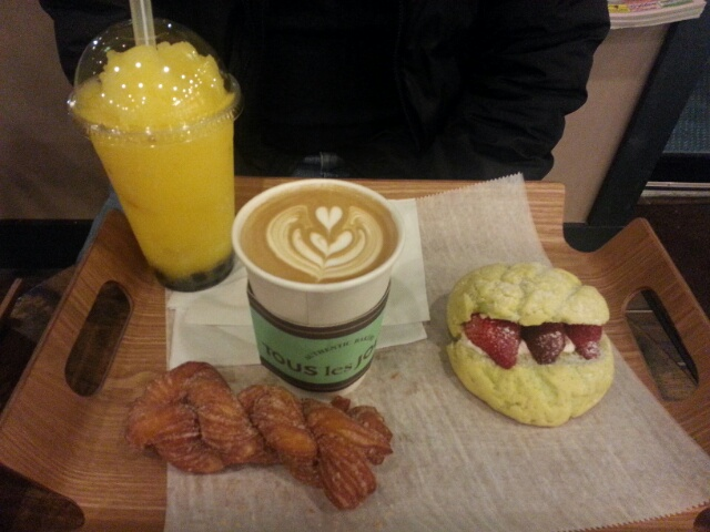drinks and dessert from Tous les Jours